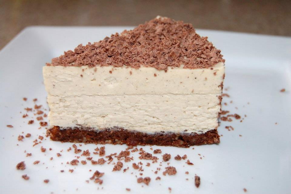 Recipe] Raw, Vegan, Paleo Vanilla Bean Cheesecake on Brownie Crust ...