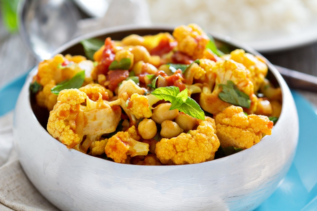 Vegan curry with chickpeas and vegetables